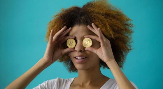 Bitcoin mantiene vantaggio rispetto alle azioni Tesla
