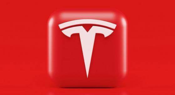 Tesla, accordo con ex dipendente per codice Autopilot