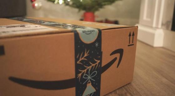 Amazon, aumento paghe orarie anticipato di un mese